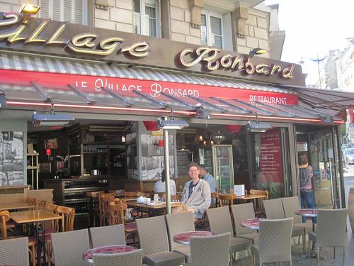 Petit Dejeuner Place