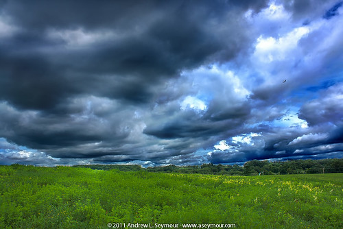 Cloud Hunting hdr 07 - North (08/16/2011)