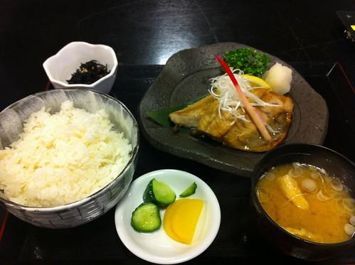 6日目夕食ほっけ定食