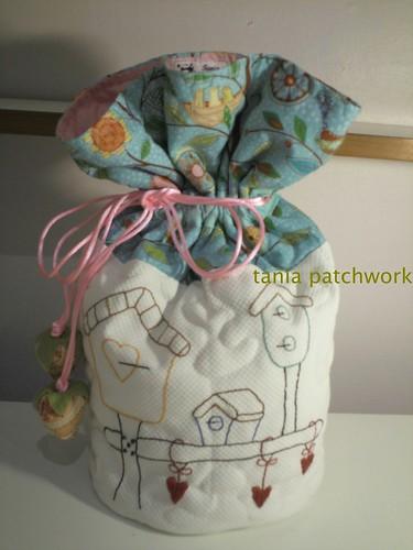 Saquinho Necessaire Casinhas de Passarinhos by tania patchwork