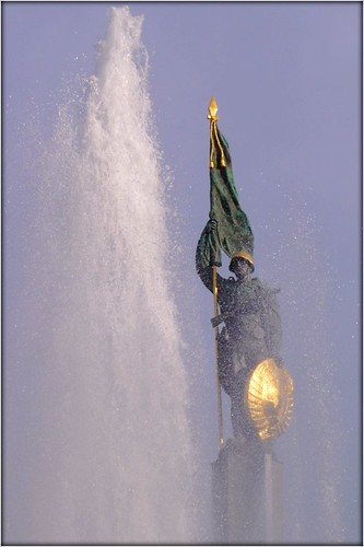 Soviet soldier and fountain by Ginas Pics