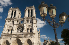 [Free Image] Architecture / Building, Church / Catedral / Mosque, Notre Dame de Paris, World Heritage, France, Paris, 201108310100