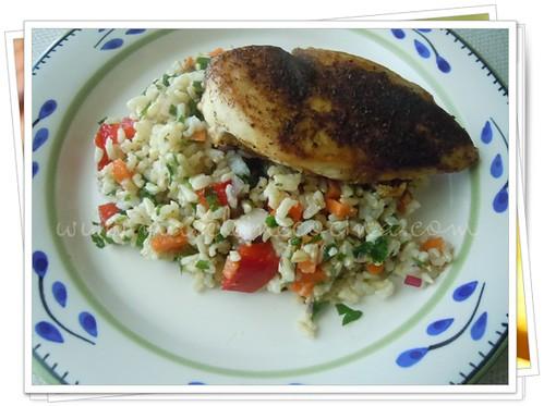 Pollo con especias y ensalada de arroz