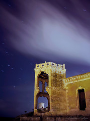 Torren devora a torre ;) (Christian Callejas) Tags: azul night canon noche long exposure torre ruinas nubes estrellas villajoyosa largaexposicin torren psiquiatrico circumpolar elparaiso ventanales madalleta