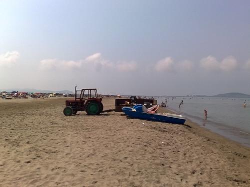 Spiaggia trattore di Durazzo by durishti