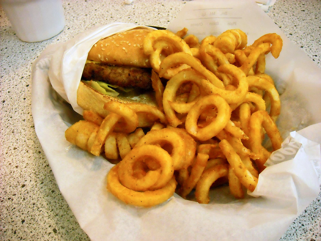 365-86 Hardees Burger Curly Fries