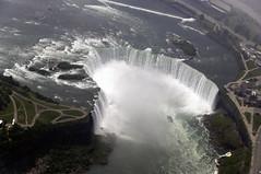 CFR2791 Niagara falls (Carlos F1) Tags: viaje moon canada landscape nikon honeymoon view paisaje aerial niagara falls luna helicopter honey miel land vista cataratas scape catarata helicoptero novios lunademiel heliport tierra aerea d300