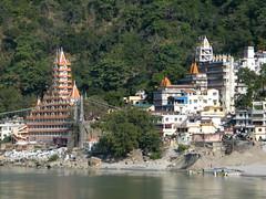 Lakshman Jhula, Rishikesh, Uttarakhand, India (east med wanderer) Tags: bridge india river temple hinduism ganga ganges rishikesh laxmanjhula lakshmanjhula uttarakhand theindiatree worldtrekker trayambakeshwartemple