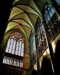 Klner Dom (GelsenBuer) Tags: windows art church window reflections licht dom fenster kunst gothic perspective kathedrale kirche cologne kln processing perspektive klnerdom gotisch cathdral gothik churchwindows reflektionen kirchenfenster bearbeitung sonnenlicht blickwinkel lightreflections hohedomkirchestpeterundmaria sakral lichtreflektionen richterfenster