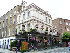 George and Dragon, Fitzrovia, W1 (Ewan-M) Tags: england london george clevelandstreet pubs w1 georgeanddragon thegeorge gbg rgl buckinghamplace cityofwestminster georgedragon w1t thegeorgedragon greenwellstreet greenekingpub charringtonpub gbg1999 gbg1993 gbg1994 gbg1989 gbg1991 gbg1992 gbg1990 gbg1988 goodbeerguidepub gbg1986 gbg1987