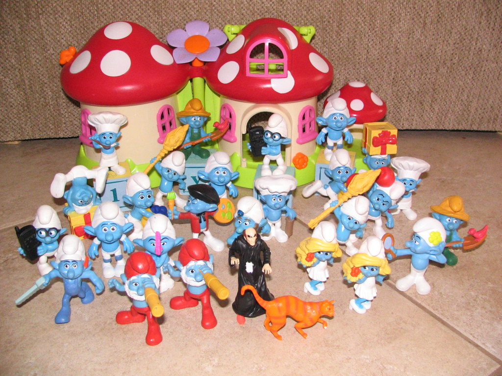 Smurfs McDonald's Happy Meal Toys 2011 (2)