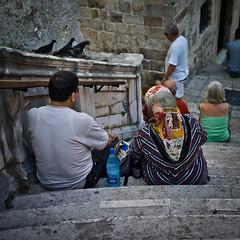 goodbye (polomar) Tags: street leica old city travel people stairs 35mm reisen flickr strasse croatia menschen unesco treppe stadt goodbye apparat dubrovnik asph doves weltkulturerbe stufen m9 tauben 3514 kroatien historisch touristen summiluxm sascharing polomar thedevilswalk