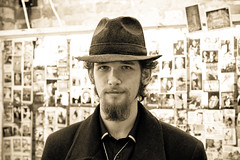 Salesman (Mauritzson Foto) Tags: street uk summer portrait england man photo camden sommar
