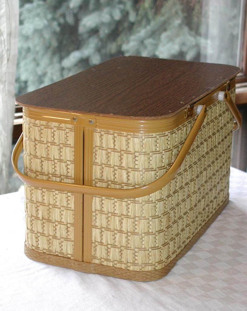 Vintage Redmon Woven Wicker Picnic Basket