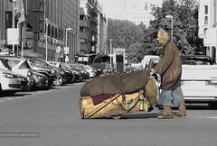 People (GZZT) Tags: street people berlin germany menschen mb 030 strase friedrichstrase guessedberlin kronenstrase gwbsdekind gzzt martinbriese