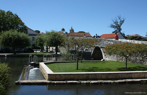 A ponte românica, por cima do Anços, afluente do rio Arunca