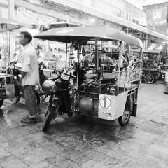 Sidecar (kawabek) Tags: thailand market motorcycle khonkaen 市場 タイ バイク ขอนแก่น コンケン รถจักรยานยนต์