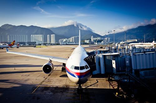 [フリー画像] 乗り物, 航空機, 旅客機, 201108180500