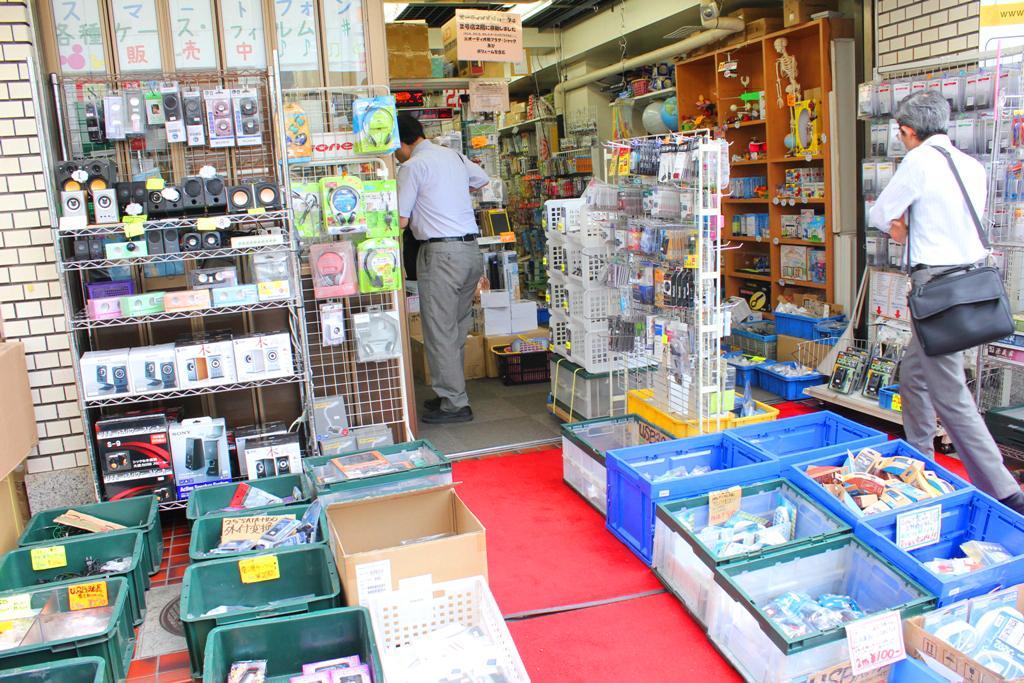 A walking guide of Akihabara (22)