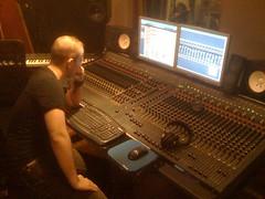 Julien Vonarb en studio (jvofficial) Tags: music rock lady julien pop warner electro universal rap producer britney guitarist gaga composer guitare mays guitariste compositeur vonarb arrangeur