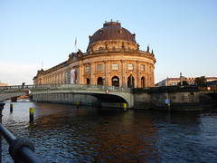 Bode Museum (dietadeporte) Tags: city trip travel blue vacation sky holiday building water azul museum architecture clouds río river germany deutschland vacances travels agua holidays europa europe nuvole museu arte kunst fiume ernstvonihne edificio eu musée unesco cielo nubes architektur alemania altesmuseum museo blau nuages architects spree azzurro allemagne strom architettura berlim germania alemanha worldheritage fleuve museumsinsel bodemuseum berlino berlín altenationalgalerie museos neuesmuseum welterbe 2011 patrimoniodelahumanidad isladelosmuseos museobode museoantiguo patrimoinemondialdel´humanité wilhelmvonbode galeríanacionalantigua museonuevo