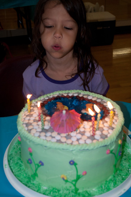 blowing candles1
