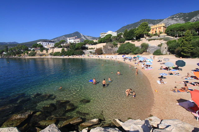 Cala Gonone - not a bad town beach
