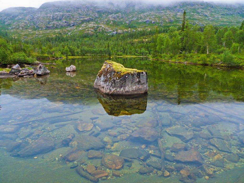 Tettingsdalen foran Lausfjellet
