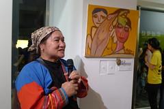 藝術家雅幕伊與她捐出義賣的作品