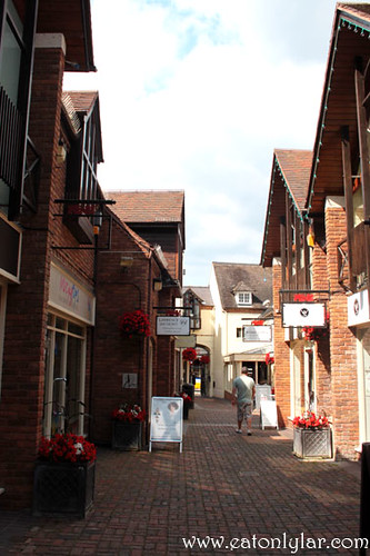 Quaint alley, Stratford-upon-Avon