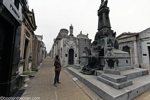 Walking in the Recoleta cemetary