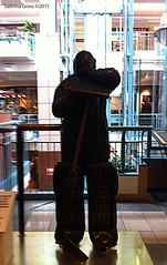 Sculptures - 'The Goalie' - 1985 by Robin Bell - 1949- - Bronze - Place Montral Trust - McGill College & de Maisonneuve - Ville-Marie SG20110831 001 (fotoproze) Tags: canada quebec montreal esculturas sculture sculptures cerfluniau eskultura   skulpture skulpturen 2011 escultures  patung sochy sculpturen  skulpturer mtlunguessed  rzeby  sculpturi szobrok   sklptrar veistokset heykeller   photobysabrinagross tcphmiukhc  dealbha