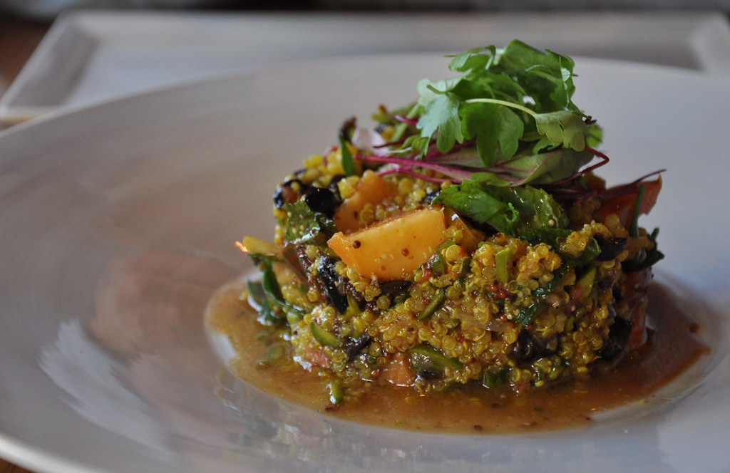 heirloom tomato & quinoa salad