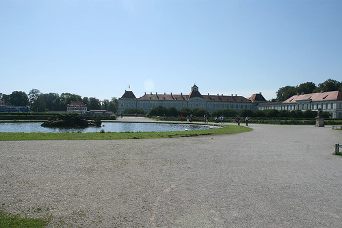 Fontaine vor Schloß Nymphenburg