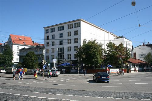 Gaststätte Jagdschlüssel mit Biergarten - Rotkreutplatz