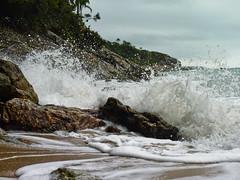 Praia do Éden - Guarujá - São Paulo (Felipe_Borges) Tags: praia água brasil lumix mar natureza panasonic gotas paulo litoral são sul pedras guarujá oceano atlântico éden photosp sorocotuba fz35