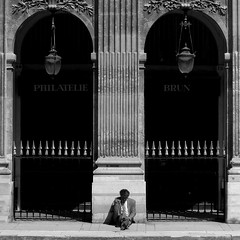 Are you awake? (Peter Dreamer) Tags: bw man quality royal palace palais seated richards soe assis homme flickraward zensationalworld mygearandme mygearandmepremium greaterphotographers artistoftheyearlevel3 artistoftheyearlevel4 asquaresuperstarstemple