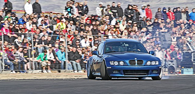 M52B28 Z3 Coupe | Topaz Blue | Black | Stretched Tires | Drifting