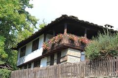 IMG_2070 (bernadetteetroussi) Tags: village bulgaria maison balkan bulgarie    bojentsi