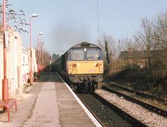 Bicester Binliner (R~P~M) Tags: uk greatbritain england train diesel unitedkingdom railway locomotive oxfordshire 58 oxon bicester bicestertown