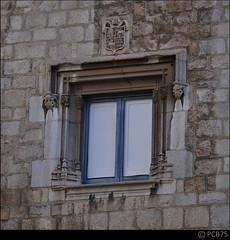 Finestra (PCB75) Tags: window ventana girona finestra fentre escut