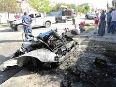 """Eine Autobombe explodierte ganz in der Nähe • <a style=""""font-size:0.8em;"""" href=""""http://www.flickr.com/photos/65713616@N03/6034577021/"""" target=""""_blank"""">View on Flickr</a>"""