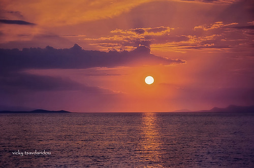 Sunset ..... Ηλιοβασίλεμα στο Αλεποχώρι by Vicky Tsavdaridou