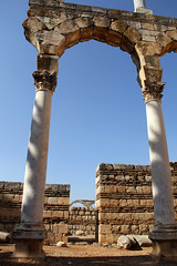 anjar/lebanon (zeynepyil) Tags: lebanon ruins column umayyad emevi anjar lübnan ruinsofanjar