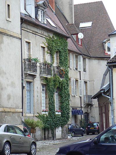 petite rue de Dijon.jpg