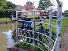 541-42L (Lozarithm) Tags: kennetavon canals bicycles people worldphotographyday kx 1224 pentax zoom