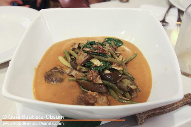 Classic Cuisine Kare-Kareng Baka 2