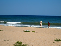 Aborigenes 1 (L'imaGiraphe (en travaux)) Tags: sea summer mer beach mud bulgaria balkans t plage blacksea balkan bulgarie boue freecamping mernoire karadere