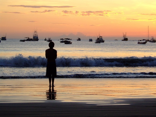 Travel Photo Roulette: Solitude and Reflection (San Juan del Sur, Nicaragua). Copyright by chickybus.com