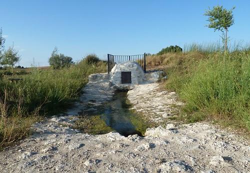 fuente de agua fresca y potable